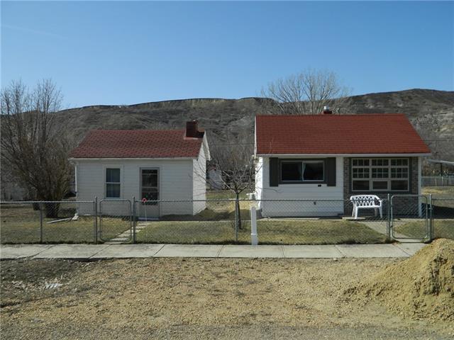261 1 St Avenue, Drumheller, AB T0S 1B0 (#C4181341) :: Redline Real Estate Group Inc