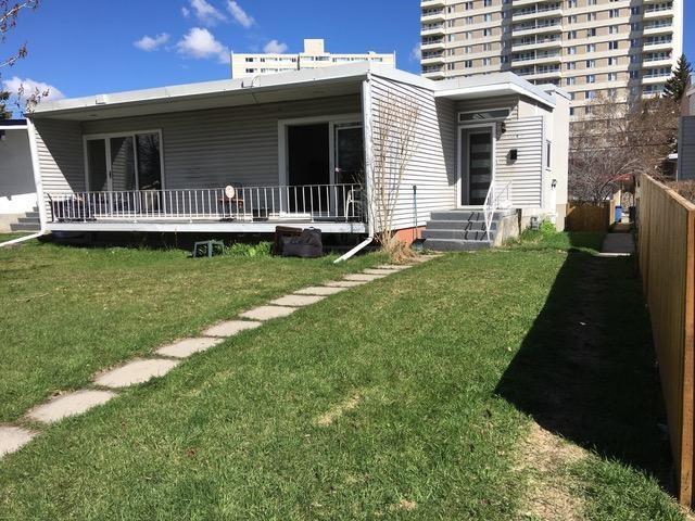 634 & 636 68 Avenue SW, Calgary, AB T2V 0M9 (#C4181350) :: The Cliff Stevenson Group