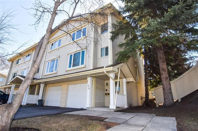 40 Queen Anne Close SE, Calgary, AB T2J 6H4 (#C4181425) :: Redline Real Estate Group Inc