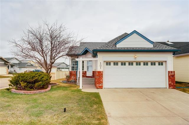 101 Woodside Close NW, Airdrie, AB T4B 2C8 (#C4182124) :: Redline Real Estate Group Inc