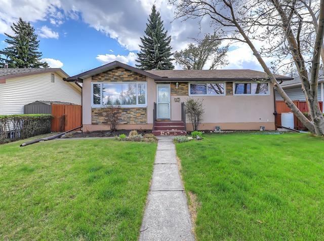 2311 Lincoln Drive SW, Calgary, AB T3E 5G4 (#C4182356) :: Redline Real Estate Group Inc