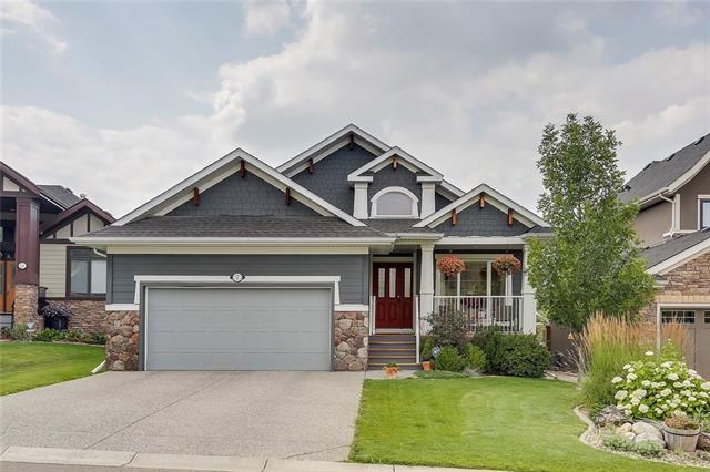 7 Crestridge Point(E) SW, Calgary, AB T3B 0L6 (#C4182362) :: Redline Real Estate Group Inc