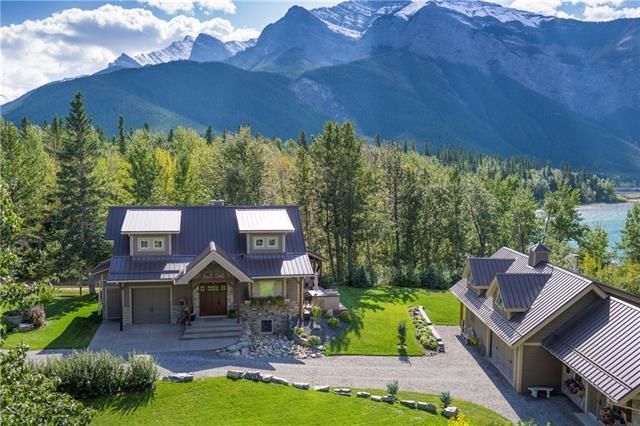 5 Mountaineer Close, Lac des Arcs, AB T1W 2W3 (#C4182426) :: Canmore & Banff