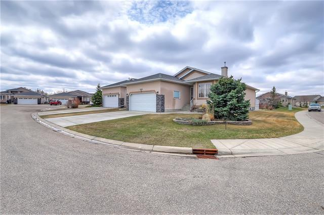 301 Riverside Gardens NW, High River, AB T1V 0A2 (#C4182666) :: Your Calgary Real Estate