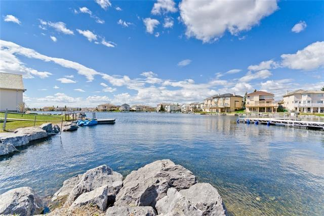 120 Coral Shores Cape NE, Calgary, AB T3J 3T8 (#C4182773) :: Redline Real Estate Group Inc