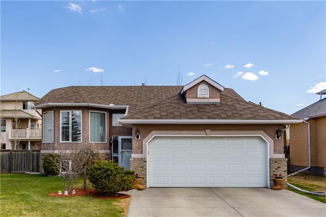 84 West Terrace Crescent, Cochrane, AB T4C 1R9 (#C4182942) :: Redline Real Estate Group Inc