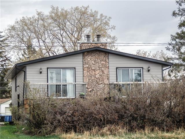 7006B Bowness Road NW, Calgary, AB T3B 0G4 (#C4182956) :: The Cliff Stevenson Group