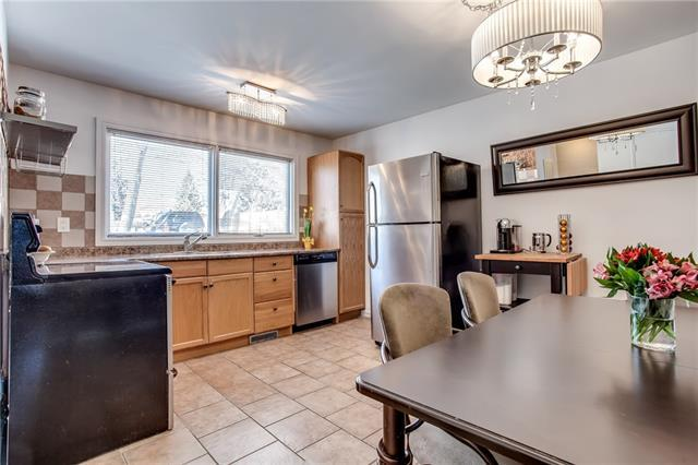 5011 North Haven Drive NW, Calgary, AB T2K 2K3 (#C4183117) :: Canmore & Banff