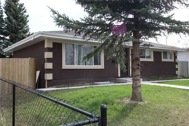 4911 Marlborough Drive NE, Calgary, AB T2A 2Z4 (#C4183254) :: The Cliff Stevenson Group