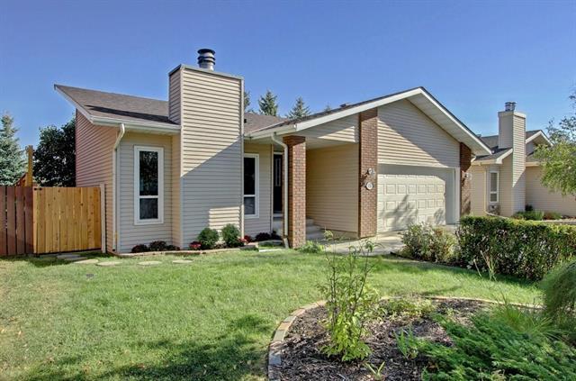 135 Woodburn Crescent, Okotoks, AB T1S 1L3 (#C4183356) :: Redline Real Estate Group Inc
