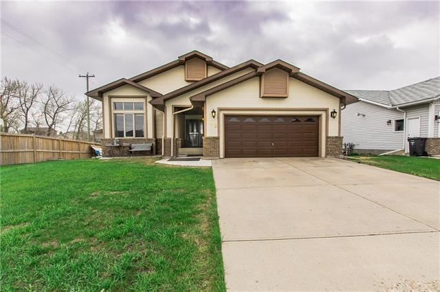703 High Country Drive NW, High River, AB T1V 1E3 (#C4183866) :: The Cliff Stevenson Group