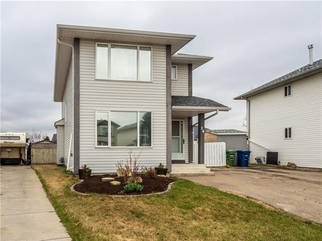 36 Woodside Circle NW, Airdrie, AB T4B 2H8 (#C4184214) :: Redline Real Estate Group Inc