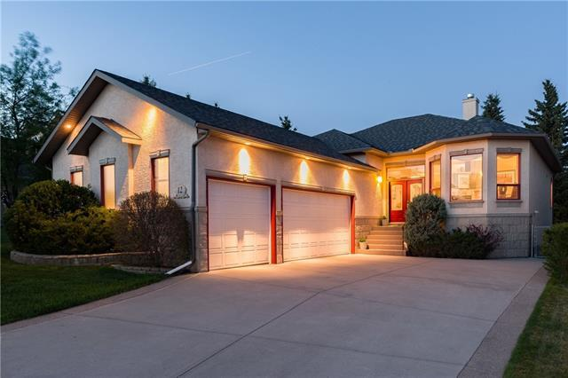 12 Silver Creek Manor NW, Calgary, AB T3B 5L3 (#C4184323) :: Redline Real Estate Group Inc