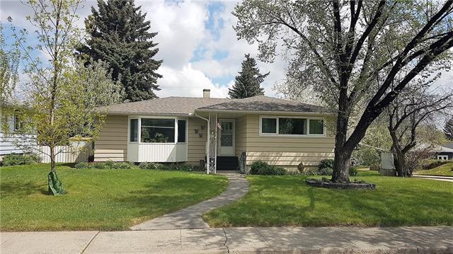 30 Malibou Road SW, Calgary, AB T2V 1W6 (#C4184333) :: The Cliff Stevenson Group