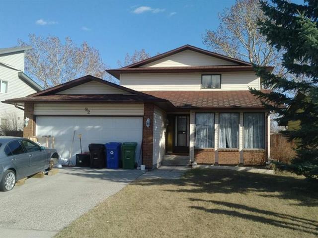 92 Castlebury Way NE, Calgary, AB T3J 1K9 (#C4184343) :: Redline Real Estate Group Inc
