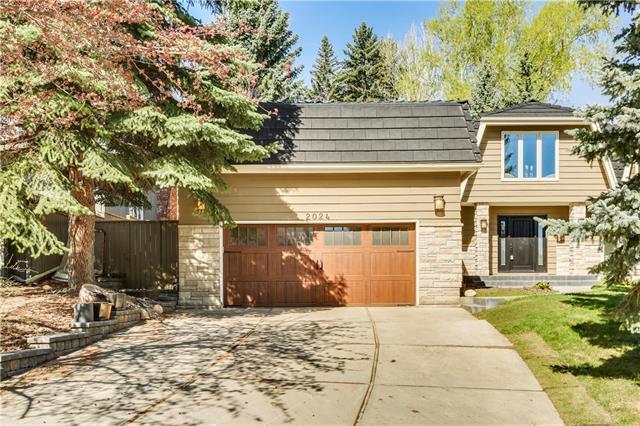 2024 Pump Hill Way SW, Calgary, AB T2V 2M4 (#C4184443) :: Calgary Homefinders