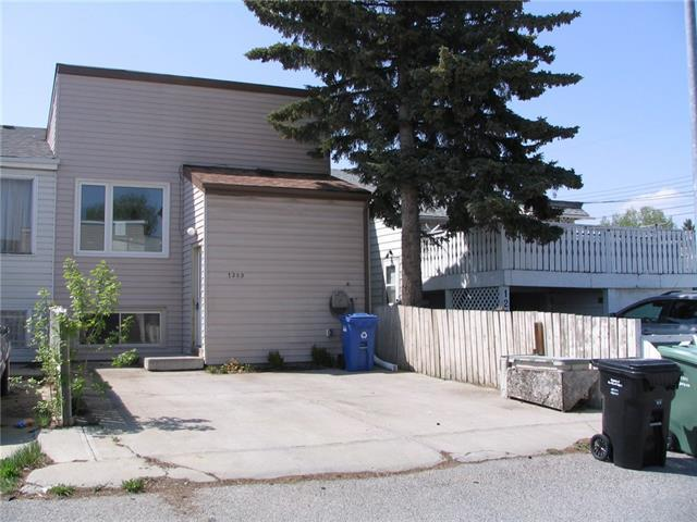 1203 53B Street SE, Calgary, AB T2A 1W1 (#C4184486) :: The Cliff Stevenson Group
