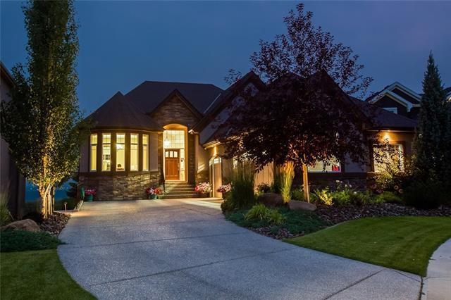 36 Cranarch Heights SE, Calgary, AB T3M 0S7 (#C4184517) :: Redline Real Estate Group Inc