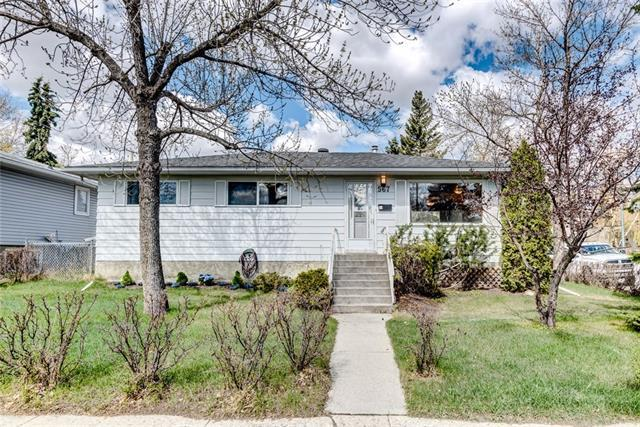 567 Northmount Drive NW, Calgary, AB T2K 3J4 (#C4184519) :: The Cliff Stevenson Group