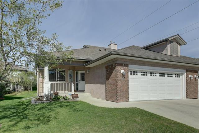 14 Straddock Villa(S) SW, Calgary, AB T3H 5C7 (#C4184550) :: The Cliff Stevenson Group