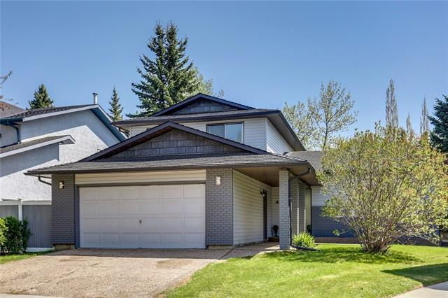 52 Woodbrook Close SW, Calgary, AB T2W 4E9 (#C4184652) :: Redline Real Estate Group Inc