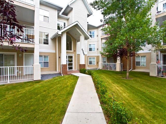 6900 Hunterview Drive NW #301, Calgary, AB T2K 6K6 (#C4184720) :: Redline Real Estate Group Inc