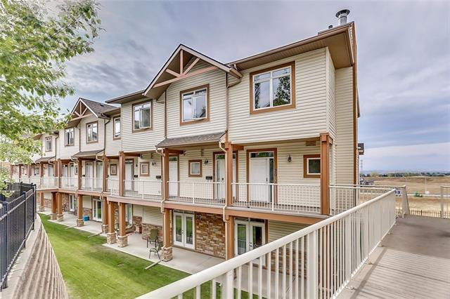 133 Rockyledge View NW #20, Calgary, AB T3G 5X2 (#C4184730) :: Redline Real Estate Group Inc
