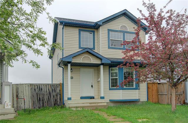 68 Martin Crossing Bay NE, Calgary, AB T3J 3Y1 (#C4184761) :: Redline Real Estate Group Inc