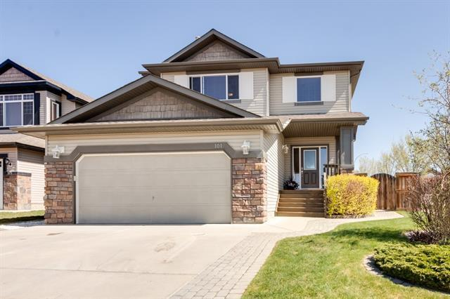 101 Royal Birch Bay NW, Calgary, AB T3G 5X6 (#C4184886) :: Canmore & Banff