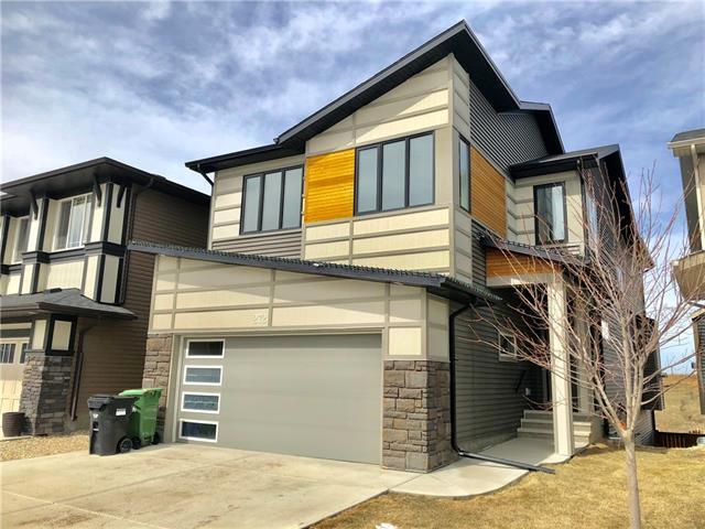 272 Evansborough Way NW, Calgary, AB T3P (#C4184895) :: The Cliff Stevenson Group