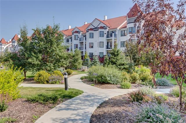 20 Royal Oak Plaza NW #120, Calgary, AB T3G 0E6 (#C4184957) :: Canmore & Banff