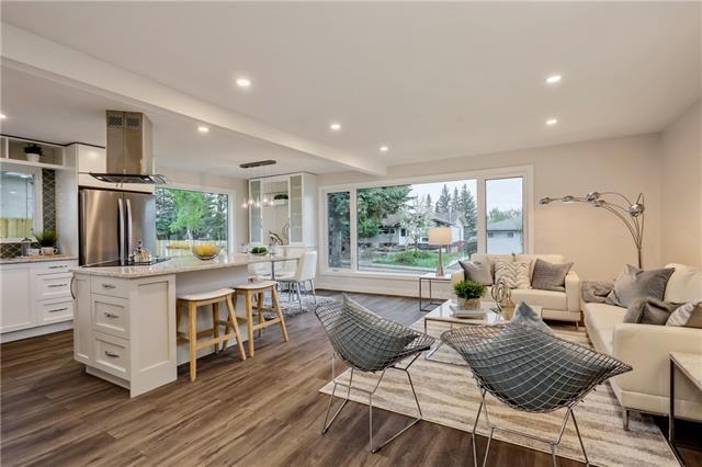 167 Springwood Drive SW, Calgary, AB T2W 0L1 (#C4185032) :: Redline Real Estate Group Inc