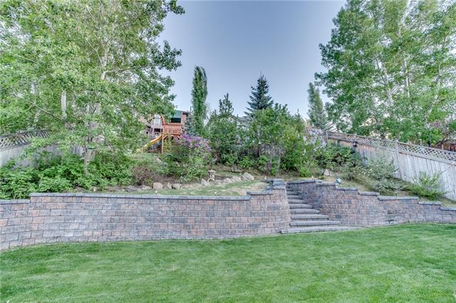 11537 Valley Ridge Drive NW, Calgary, AB T3B 5T8 (#C4185120) :: The Cliff Stevenson Group