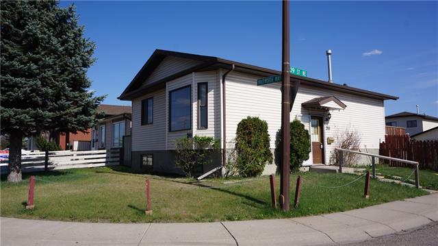 288 Whitworth Way NE, Calgary, AB T1Y 6E4 (#C4185218) :: The Cliff Stevenson Group