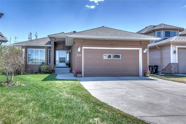 133 Scenic View Bay NW, Calgary, AB T3L 1Z7 (#C4185260) :: Redline Real Estate Group Inc