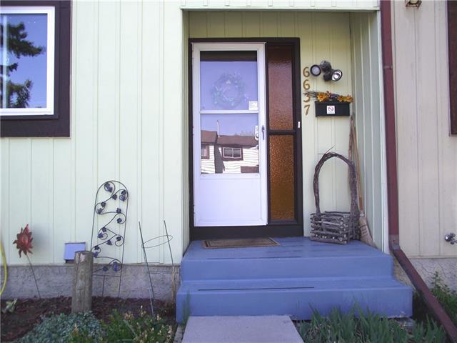 6637 Huntsbay Road NW, Calgary, AB T2K 4R2 (#C4185264) :: Redline Real Estate Group Inc