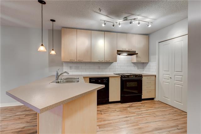 22 Richard Place SW #126, Calgary, AB T3E 7N6 (#C4185447) :: Redline Real Estate Group Inc