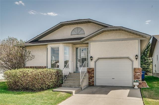 33 Woodside Close NW, Airdrie, AB T4B 2C8 (#C4185501) :: Redline Real Estate Group Inc