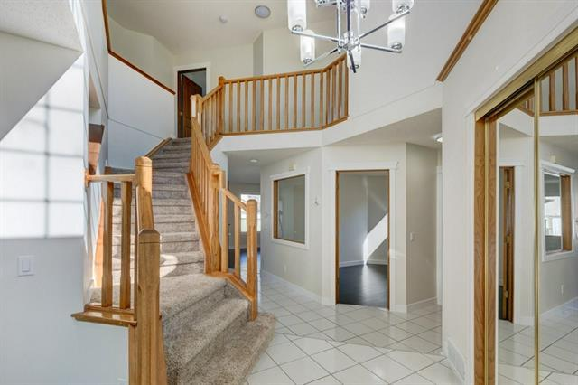 9985 Hidden Valley Drive NW, Calgary, AB T3A 5G4 (#C4185546) :: Redline Real Estate Group Inc