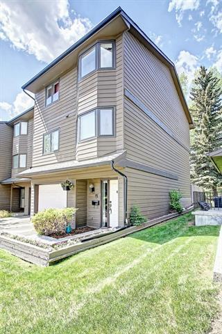23 Glamis Drive SW #42, Calgary, AB T2E 6S3 (#C4185586) :: Redline Real Estate Group Inc