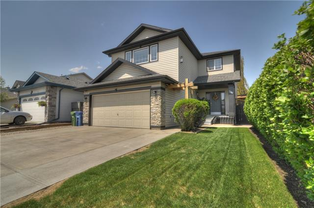 200 Stonegate Crescent NW, Airdrie, AB T4B 2S8 (#C4185606) :: Redline Real Estate Group Inc