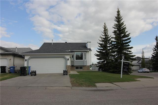 138 Hidden Vale Place NW, Calgary, AB T3A 5C5 (#C4185725) :: Redline Real Estate Group Inc