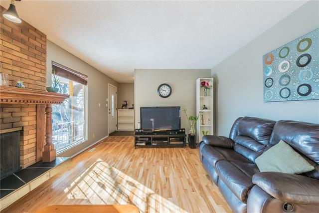 7611 Hunterview Drive NW, Calgary, AB T2K 4P7 (#C4185726) :: Redline Real Estate Group Inc