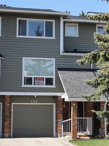 155 Woodglen Grove SW, Calgary, AB T2W 4S8 (#C4185992) :: Redline Real Estate Group Inc