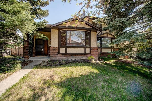24 Dalhousie Crescent NW, Calgary, AB T3A 2H7 (#C4186075) :: Redline Real Estate Group Inc