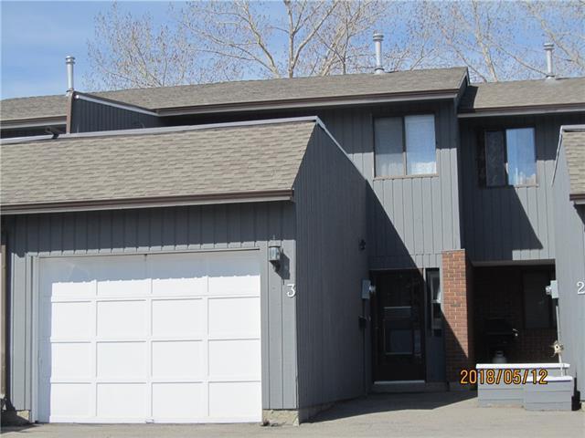 803 Varsity Estates Drive NW #3, Calgary, AB T3B 4W5 (#C4186096) :: Redline Real Estate Group Inc