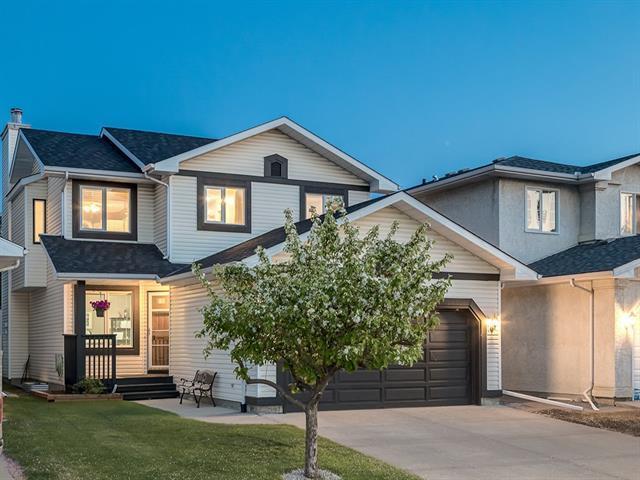 77 Riverwood Close SE, Calgary, AB T2C 3Z5 (#C4186103) :: Canmore & Banff