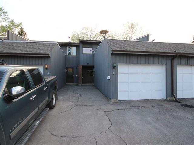803 Varsity Estates Drive NW #4, Calgary, AB T3B 4W5 (#C4186112) :: Redline Real Estate Group Inc