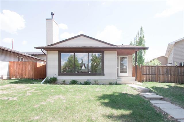 64 Woodglen Road SW, Calgary, AB T2W 4P2 (#C4186135) :: Redline Real Estate Group Inc