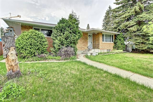 2811 Brecken Road NW, Calgary, AB T2L 1H5 (#C4186753) :: Redline Real Estate Group Inc